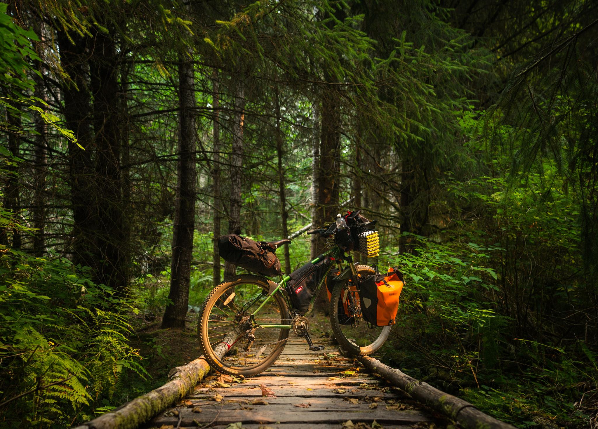 Jak zaplanować wycieczkę rowerową i co ze sobą zabrać?