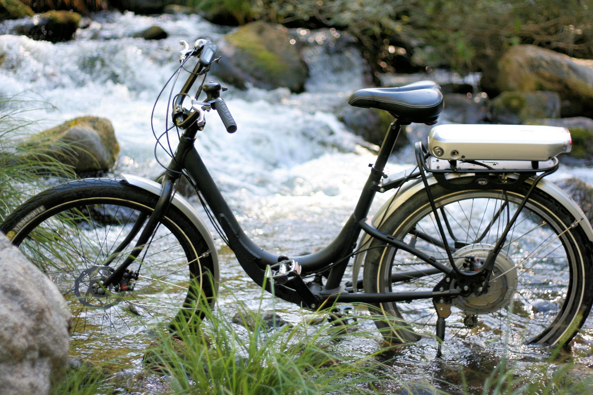 Miejski rower elektryczny na wycieczki