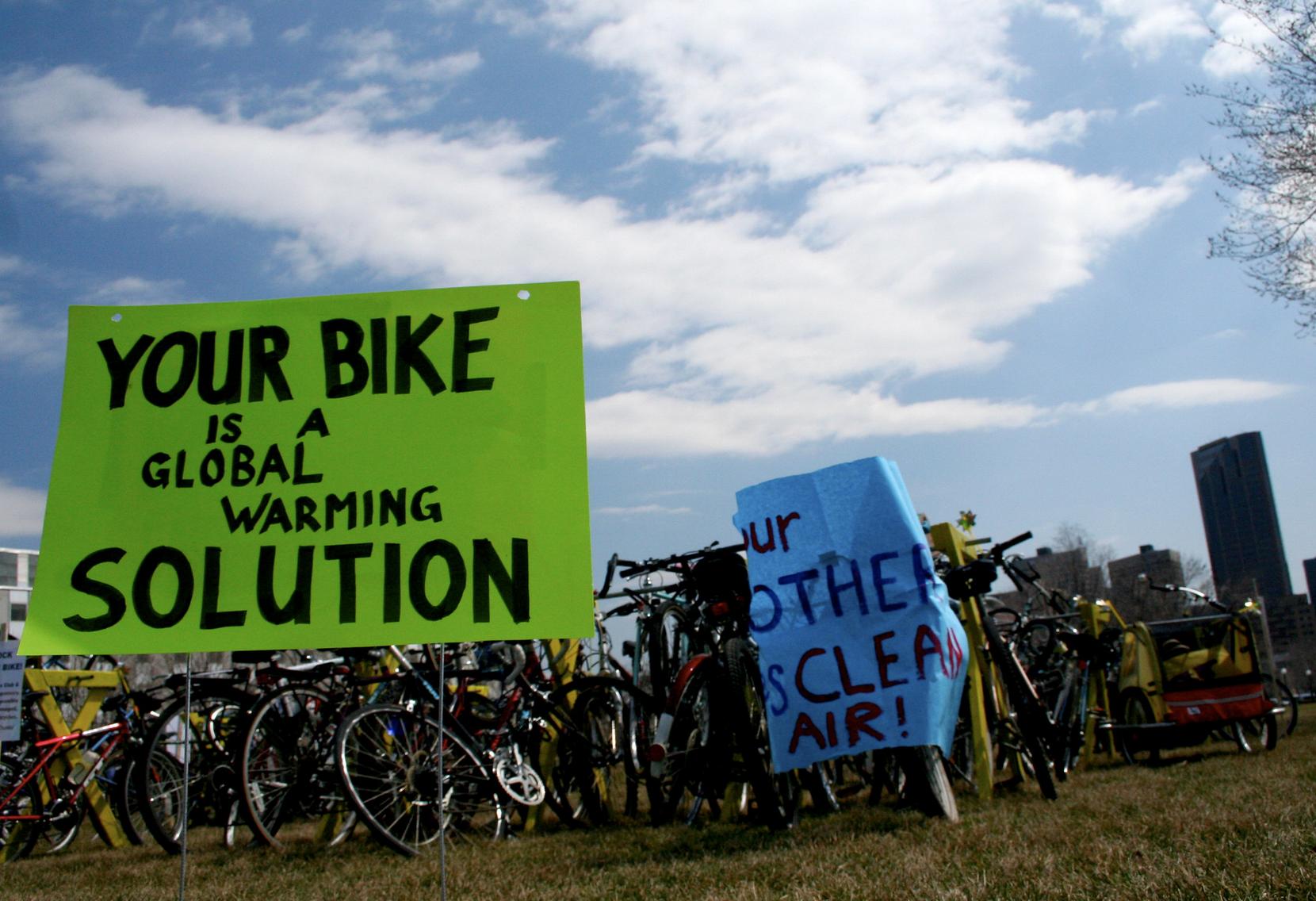 demonstracaj rowerowa globalne ocieplenie