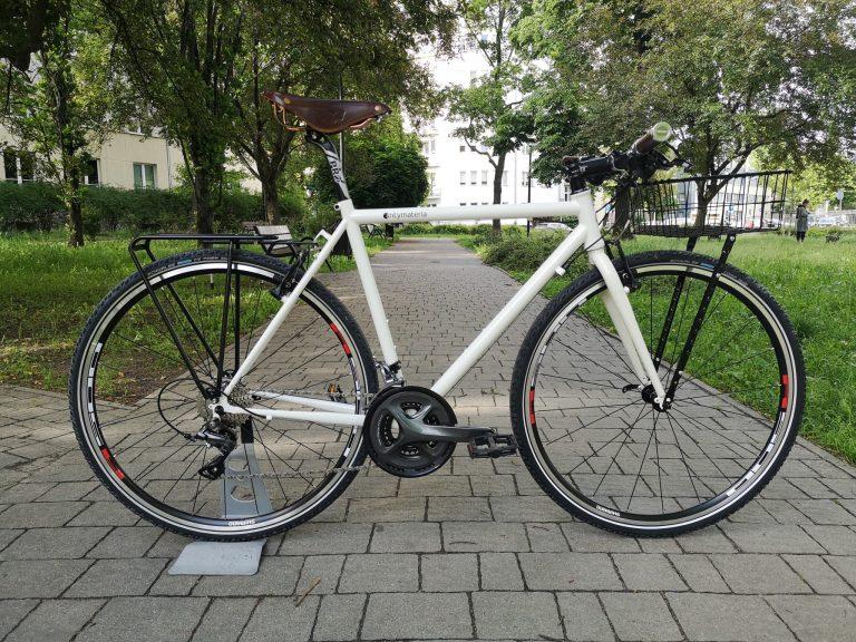 Stalowy rower crossowy